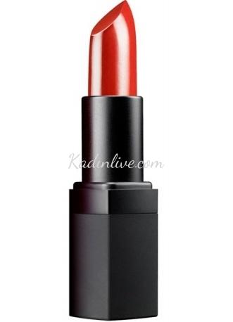 Parlak Kırmızı Ruj Renkleri Trendy