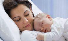 Bebeklerde Doğru Uyku Pozisyonları Nasıl Olmalı?