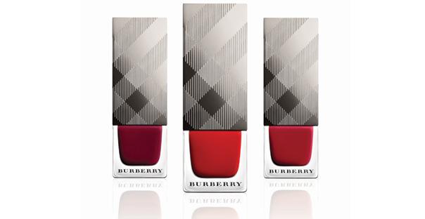 burberry-ile-ikonik-renkler-tirnaklarda--1