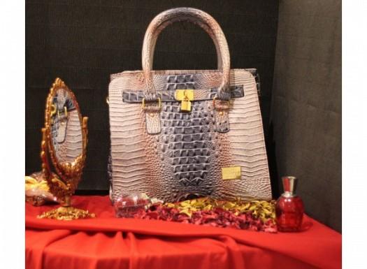 Kabartmalı Bayan Deri Çanta Modelleri
