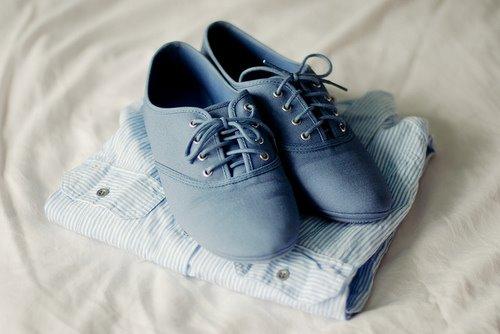Mavi Renk Oxford Ayakkabı Çizgili Gömlek Kombin Önerisi