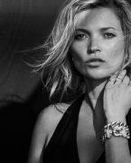 Kate Moss yeni bir kampanyayla dönüyor!