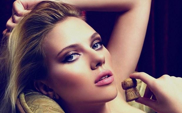 Scarlett Johansson makyajı 1