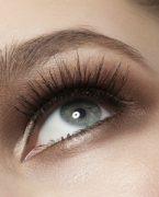 Renkli göze nasıl makyaj yapılır?
