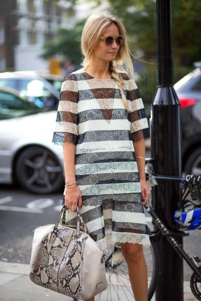 Londra Yatay Çizgili Kıyafet Sokak Stilleri