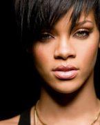 Rihanna'nın makyaj modeli