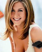 'Jennifer Aniston'ın makyaj çantası