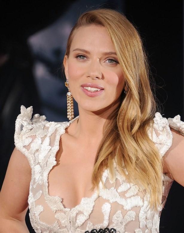 Scarlett-johansson-sac-bakim-sirri