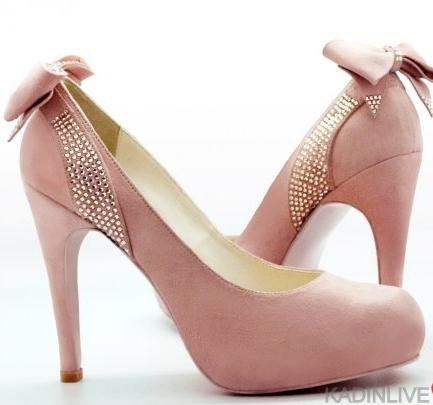 arkadan-modelli-fiyonk-modelli-topuklu-ayakkabilar