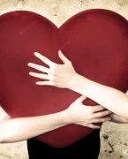 Erkek Aşık Olunca Nasıl Belli Eder? Aşık Erkek Hareketleri