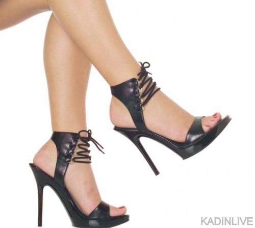 siyah-deriden-ok-k-orijinal-bir-yksek-topuklu-ayakkab-modeli