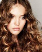 Dalgalı Saçlara Nasıl Sahip Olurum?