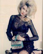 Saçlarda vintage modeli etkisi!