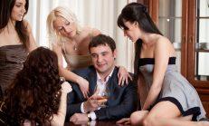 Erkekler tanımadıkları kadınlara niye bakar?