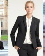 Modern ve Çekici İş Kadınları İçin Stiller