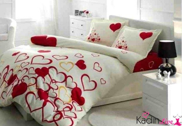 sevgililer-gunu-yatak-dekorasyonu-2