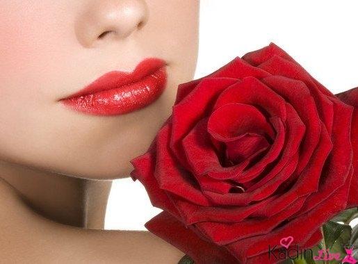 Klasik kırmızı ruj rengi