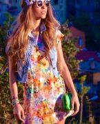 İlkbahar yaz trendi: floral print elbiseler