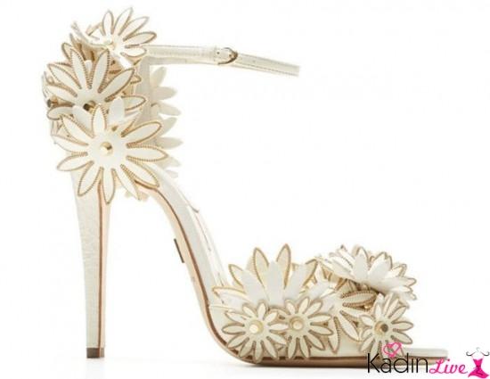 Yüksek Topuklu Çiçek İşlemeli Burnu Açık Gelin Ayakkabısı