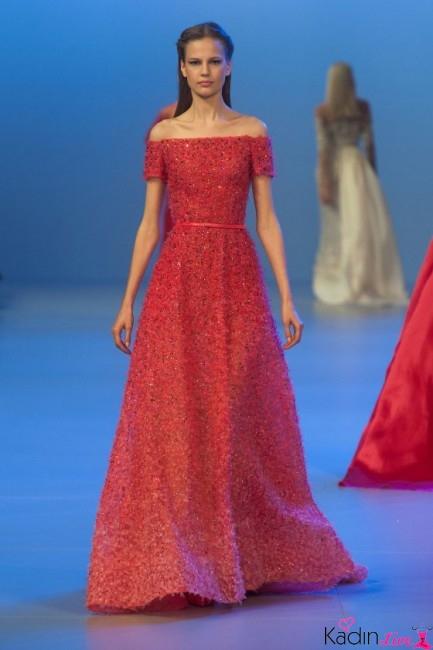 Kırmızı Payetli Uzun Kayık Yaka Elbise Modelleri