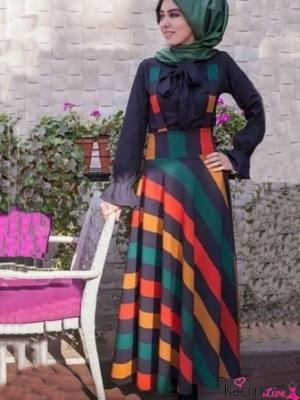Renkli Yatay Çizgili Şık Elbise Modeli