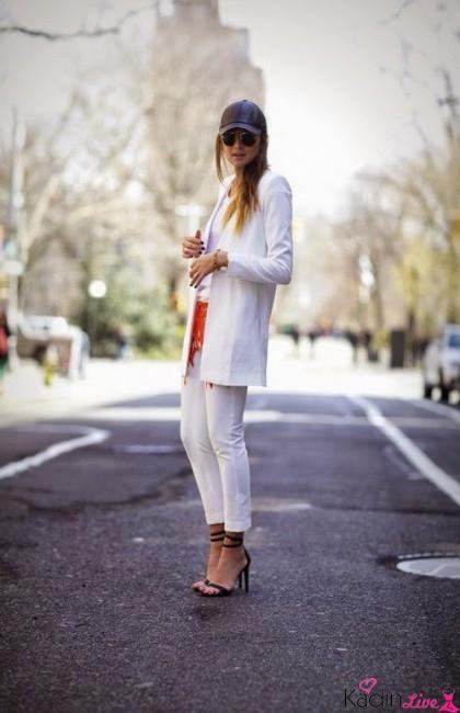 Beyaz Pantolon, Uzun Ceket Sokak Kombinleri