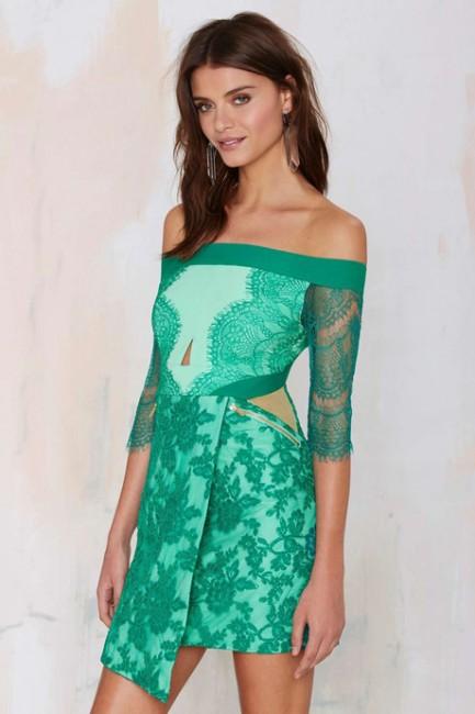 Omzu Açık Yeşil Desenli Elbise Modelleri