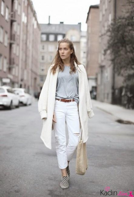 Kış Kombinleri: Beyaz Yırtık Kot Pantolonlar