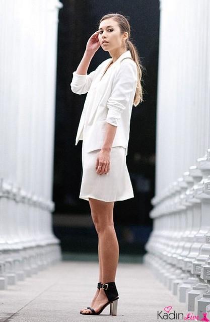 Beyaz Takım Elbise Kombinleri