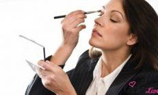 Çalışan kadınlar nasıl makyaj yapmalı?