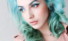 Renkli kaşlar yeni moda trendi