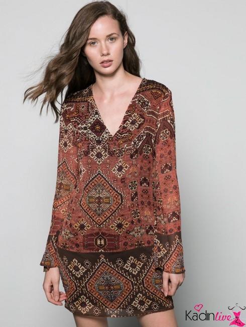 Bershka V Yaka Çıtçıt Baskılı Elbise Modelleri