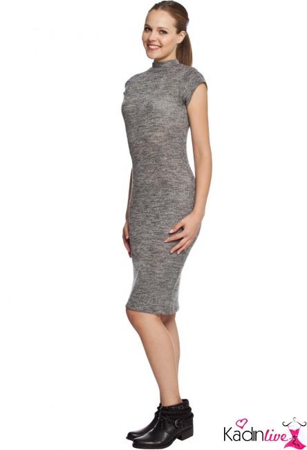 LC Waikiki (LCW) Akrilikli Diz Üstü Kısa Kol İndirimli Elbise Modeli