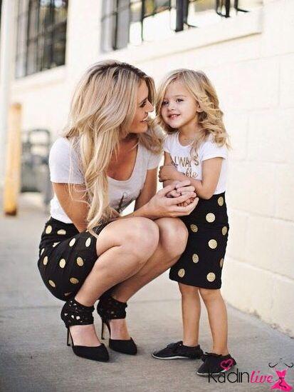 Anne ve Kız İkili Etek ve Tişört Kombini