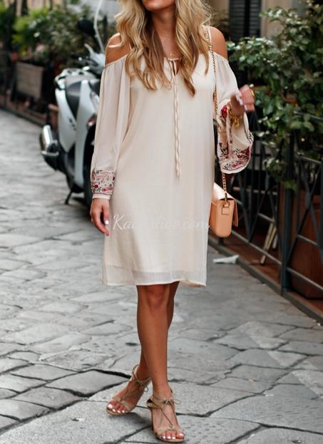 Şık Omzu Açık Elbise Modeli ve Kombini