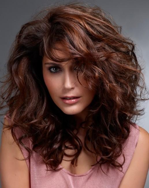 Kızıl Kestane Saç Rengi Kıvırcık Saç Modeli