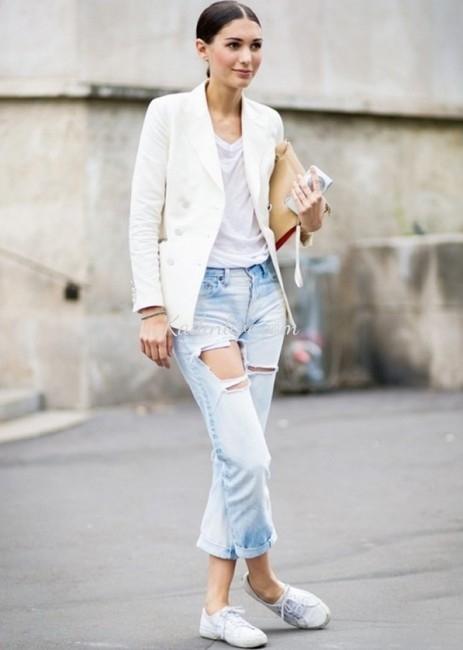 Yırtık Sade Boyfriend Jean Kombini Moda Akımı