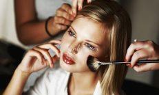 Islak Makyaj Görünümü İçin Öğrenmen Gereken Hileler